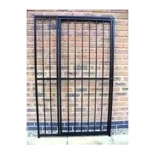 1m Bar Dog Run Panel with Door